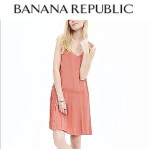 BANANA REPUBLIC drop waist pleated dress